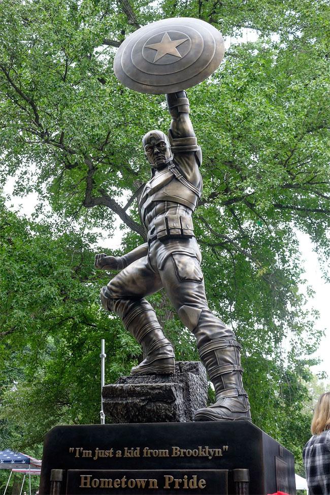 captain-america-standbeeld