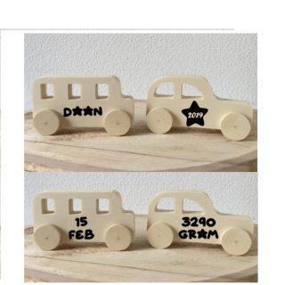 Houten geboorteset auto en bus