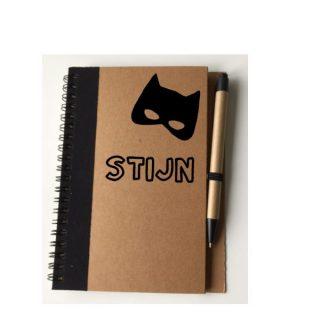 notitieboekje met pen batman