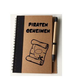 notitieboekje piratengeheimen met pen