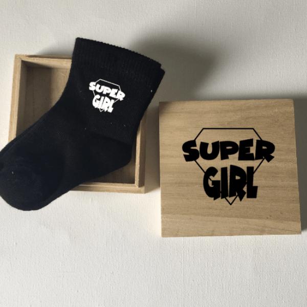 babysokjes supergirl kraamkado