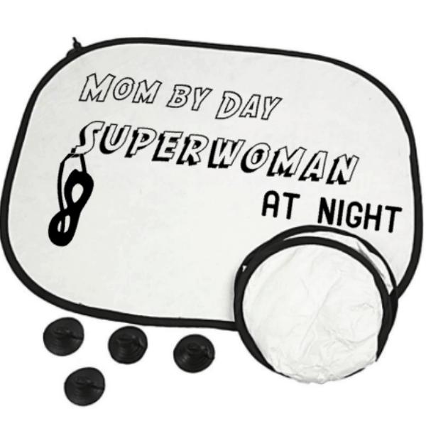 zonnescherm mom by day Superwoman at night