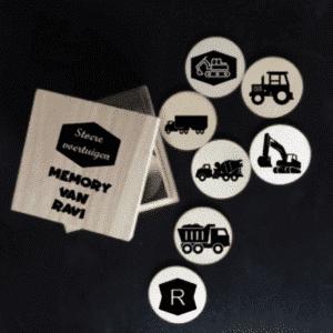 Houten auto en voertuigen memory in doosje